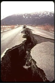 A Crash Course on How to Survive an Earthquake ebook by Fred Reed