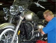 A Crash Course on How to Change the Oil and Oil Filter on a Motorcycle ebook by Anthony Turner
